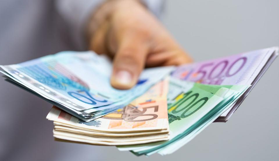 Define a qué plazo deseas invertir tu dinero